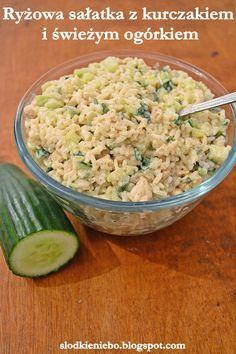 Sałatka z ryżem, kurczakiem i świeżym ogórkiem http://slodkieniebo.blogspot.com/2014/12/ryzowa-saatka-kurczakiem-i-swiezym.html