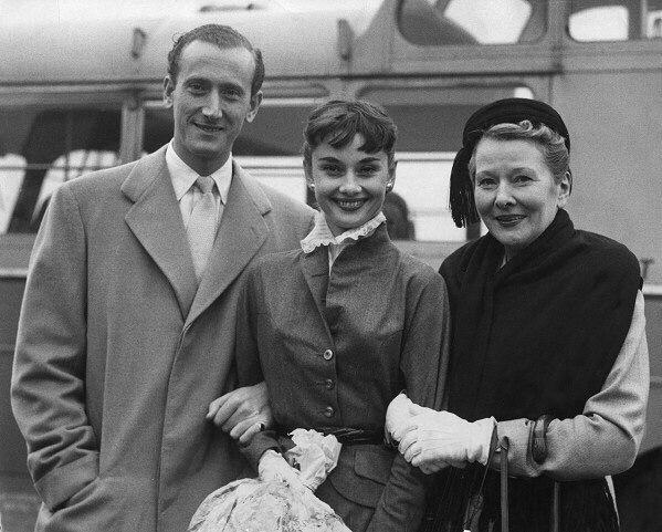 Audrey Hepburn with her mother, Ella van Heemstra, and her fiancé, James Hanson, in London in 1952