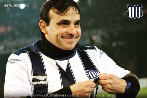 Hoy está de cumpleaños Roberto Luis Oste. Todavía gritamos tus...  Hoy está de cumpleaños Roberto Luis Oste. Todavía gritamos tus golesFeliz cumple Lute!