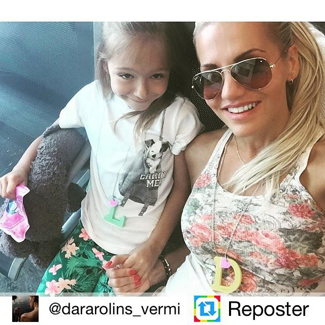Naša KUKU rodinka sa rozrastáAj skvelé dievčatá Dara Rolins a Lolinka majú svoje YellowⒹ MintⓁ Vyrazili si na babskú jazdu do USAa my im prajeme krásnu dovolenku #ilovekuku #vermi #dararolins www.ilovekuku.com