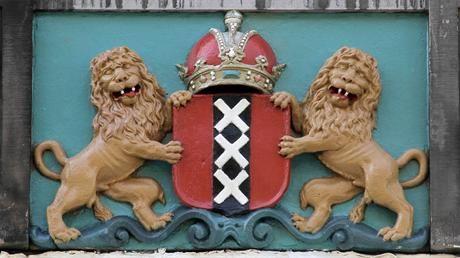 Amsterdam City Coat of Arms  Gevelsteen met het stadswapen van Amsterdam, fotograaf: Edwin van Eis