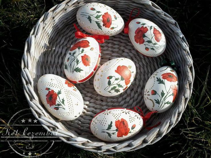 Pipacsos tojások, csipkézve, festve és szalagozva Örök kedvenc