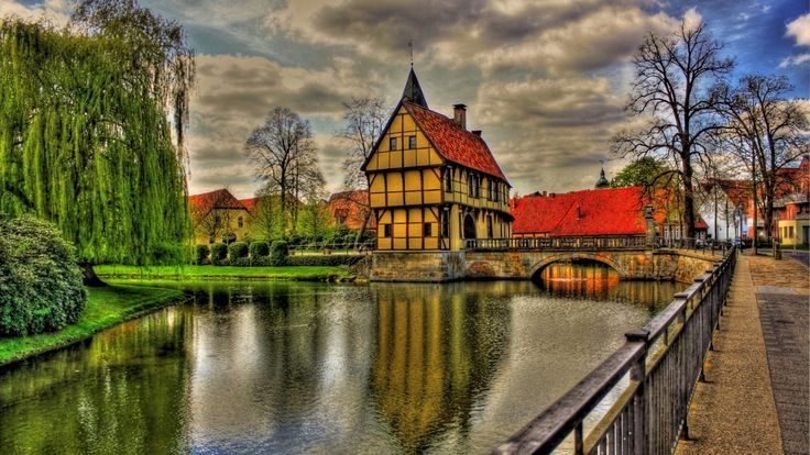 1920x1080 Обои германия, архитектура, красота, мост, облака, красочные, цвета, трава, зеленая, дом, дома, отражение, река, дорога, небо, город, деревья, вид, вода, hdr
