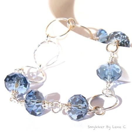 Armbånd - jeansfargede krystaller fra Smykker By Lene C, epla.no.