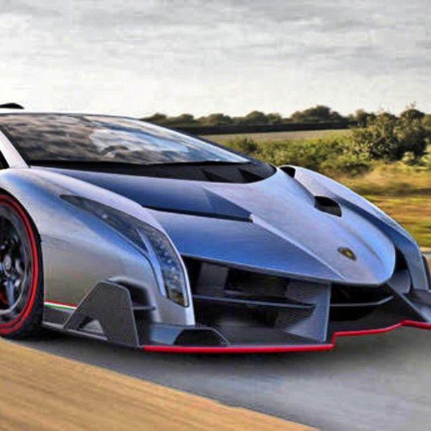 Gorgeou Lamborghini Reveno going wild!