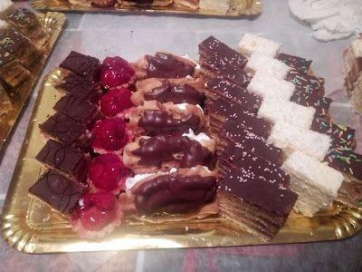 Tort si prajituri Andrea : Platou cu ptajituri asortate