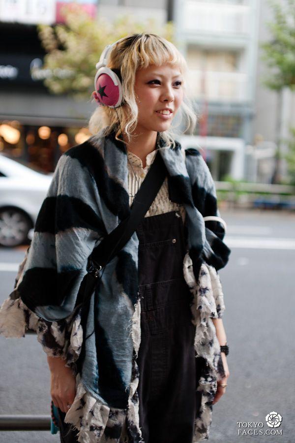 Pink headphones :D