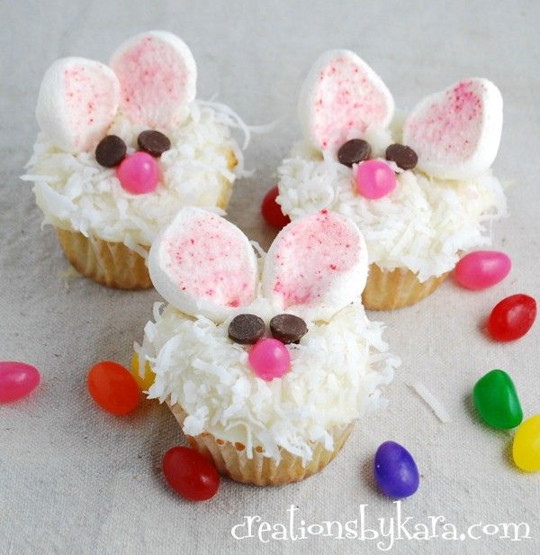Cute Easter Bunny Cupcakes. Easy and delicious! creationsbykara.com #cupcake #recipe #Easter