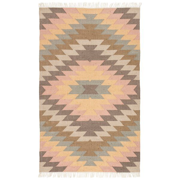 This Chic Indoor Or Outdoor Flatweave Rug Showcases A Contemporary Twist On The Classic Kilim Style Warm In 2020 Area Throw Rugs Geometric Area Rug Outdoor Area Rugs