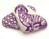 lavender-infused, wheat-filled pet heating pads i want these NOW! :)