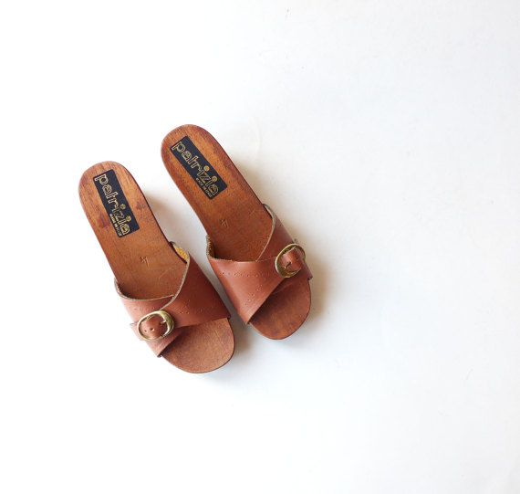 VINTAGE 1970s Lovely Wooden / Wood and Leather Sabot / Sandal