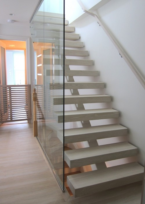 Open riser staircase with glass wall stairs interior - Interior stair treads and risers ...