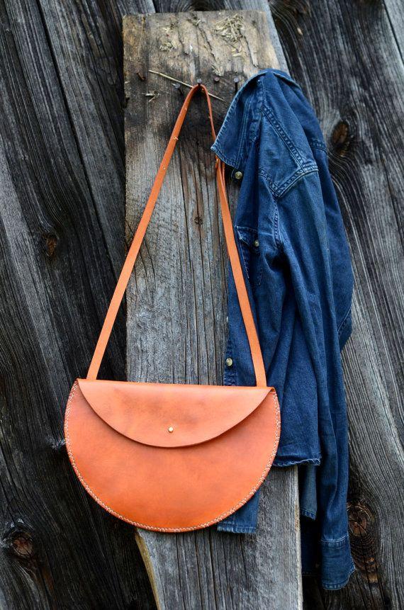 Farrell & Co. Beautiful leather goods. Handmade by Meg Farrel in Midcoast Maine. www.farrellandcompany.com/#/about/4560519044
