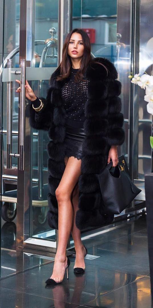 85fad728a5 Pin szerzője: Roxana Russo, közzétéve itt: Roxana wonderful fur world |  Black fur coat, Fur coat outfit és Fur coat fashion