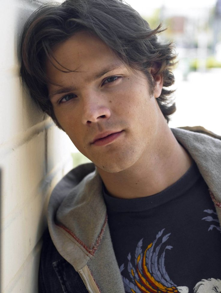 The 25 best jared padalecki short hair ideas on pinterest i dont know what it is but i find the mole next to his nose sooo attractive jared padalecki can sure make a woman go crazy when he has short hair urmus Choice Image