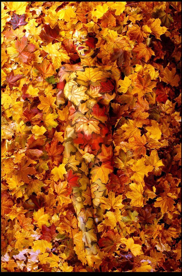 Das Einswerden ein mit der Natur bekommt eineneue Bedeutung in diesen unglaublichen Bodypainting-Bildern. Künstler Johannes Stoetter verwendet den menschlichen Körper als seine Leinwand und verkleidet dann seine Kunst in der Natur. Hier sind einige der besten menschlichen Tarnungen… Unglaubliche Bodypainting – Kunst:Der italienischer Maler und Künstler Johannes Stoetter hatzum ersten mal mit Bodypainting experimentiert als … Weiter lesen »