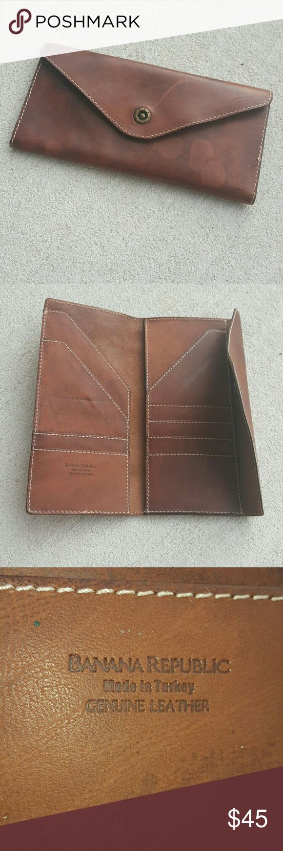 Banana Republic large envelope clutch Banana Republic large leather envelope clutch made in Turkey genuine leather comes with several areas to keep credit cards and other items Banana Republic Bags Clutches & Wristlets