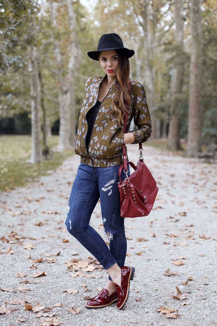 butterfly print bomber versity jacket hat look man hat look ripped jeans loafers look loafers outfit postina zanellato burgundy fashion blogger outfit www.ireneccloset.com