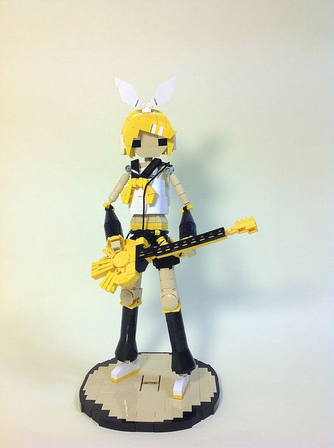 """Mike Dung's """"Kagamine Rin"""