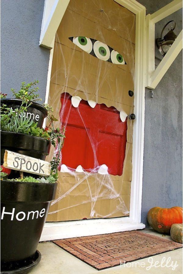 Brilliant. Decorate your Halloween door with paper bags!: Red Doors, Monsters Doors, Paper Bags, Cute Idea, Front Doors, Doors Decoration, Doors Monsters, Halloween Doors, Little Boys