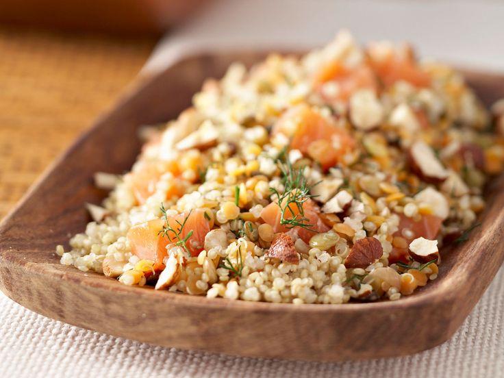 Découvrez la recette Recette salade quinoa saumon sur cuisineactuelle.fr.