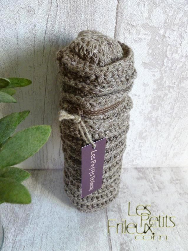 Porte biberon en coton et au crochet, coloris jute : Puériculture par www-lespetitsfrileux-com