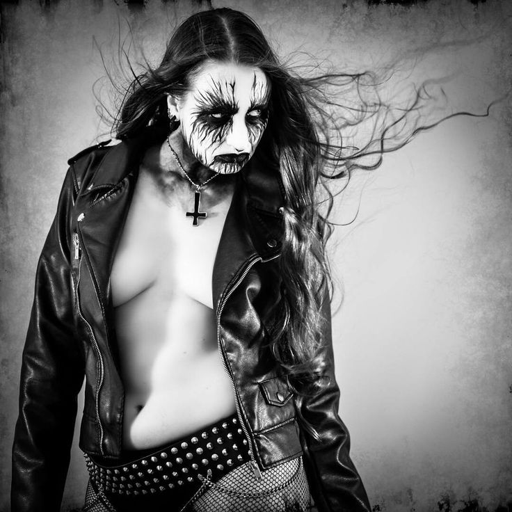 Nude black metal women — img 6