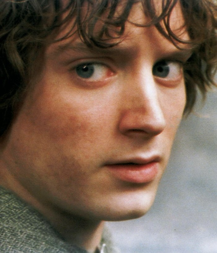 851 best frodo baggins images on pinterest frodo baggins for Pics of frodo baggins