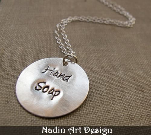 Silberkette. Hand gestempelter Namensanhänger von NadinArtDesign auf DaWanda.com