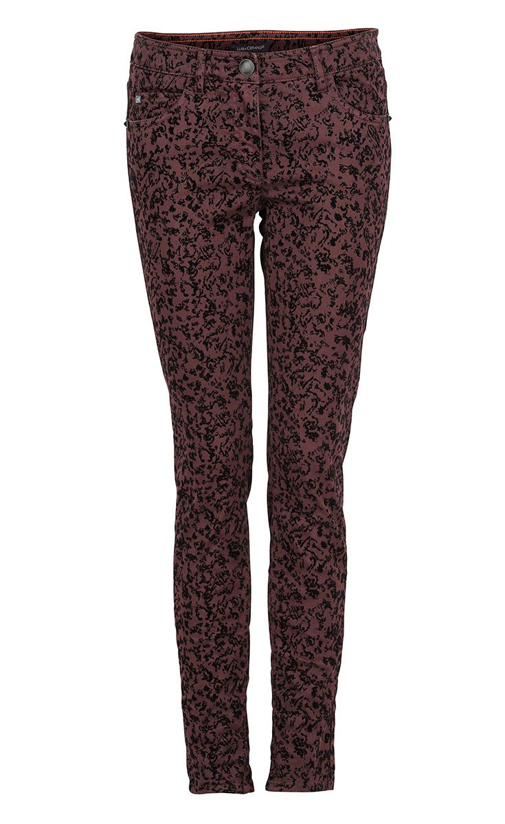 The patterned #LuisaCerano pants will make your outfit a special one  #ParndorfMustHave