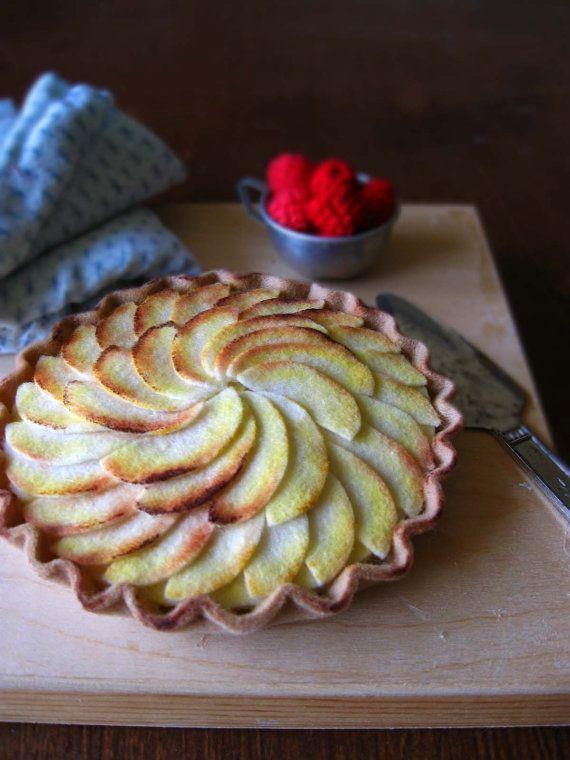 NEW Felt French Apple Tart by milkfly on Etsy