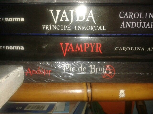 Mes de lecturas de brujas y vampiros