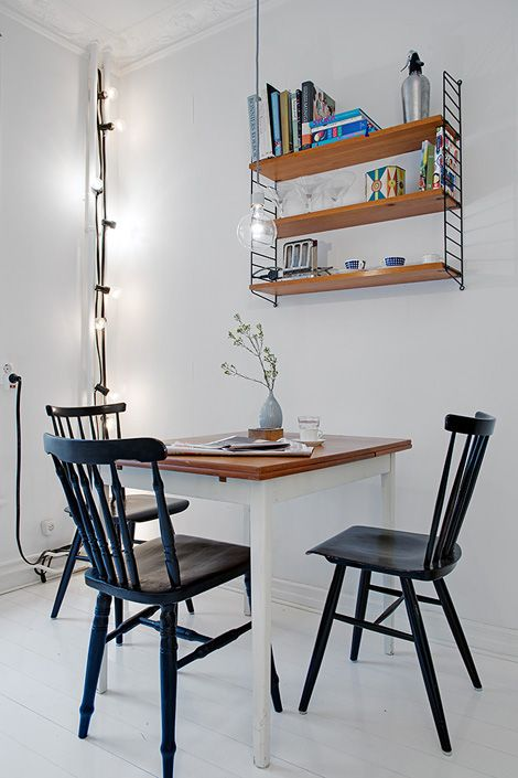 .Windsor chair color