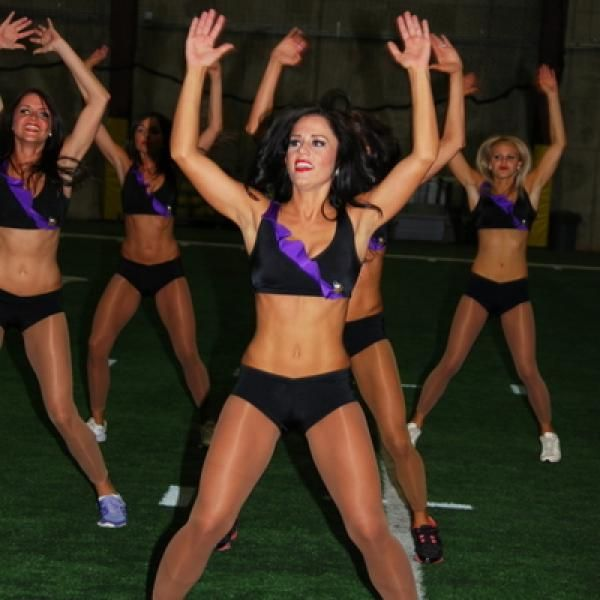 The Minnesota Vikings Jumping Jacks Routine - Workout Routines: Minnesota Vikings Cheerleaders Share Their Training Plan for Staying in Shape During the NFL Season - Shape Magazine