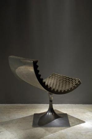 Roger Tallon Fauteuil coquille  1965    Aluminium poli et spazmolla