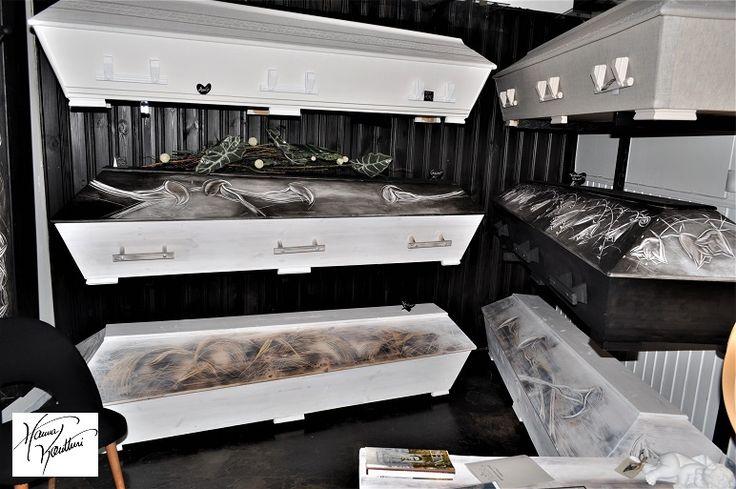 Hanna Kontturi coffins