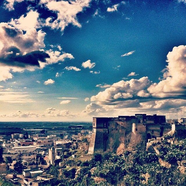 .@steal81 | Soft #clouds on the #castle. #massafra #puglia #weareinpuglia #igerspuglia