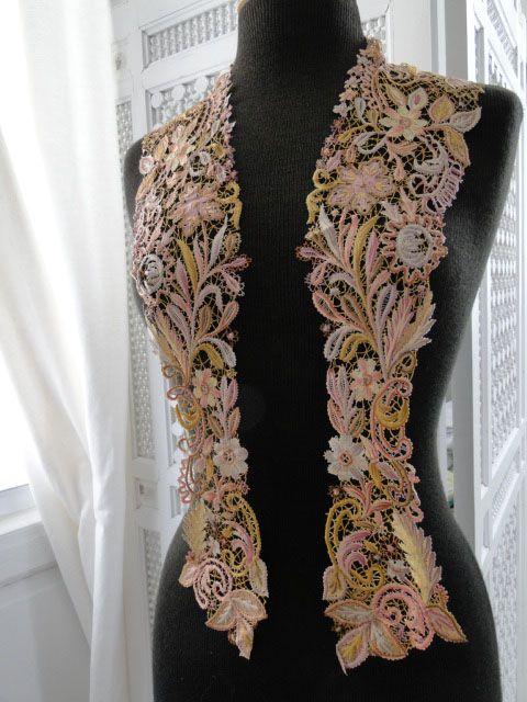 """RARE 19th C. """"JESURUM"""" POLYCHROME COLLAR   #Antique Lace, Linens Vintage Clothing Textiles"""