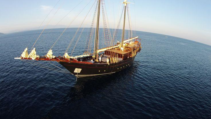 38m Phinisi AMANDIRA - Kasten Marine Design, Inc. - Photo Courtesy of Jacques Gast