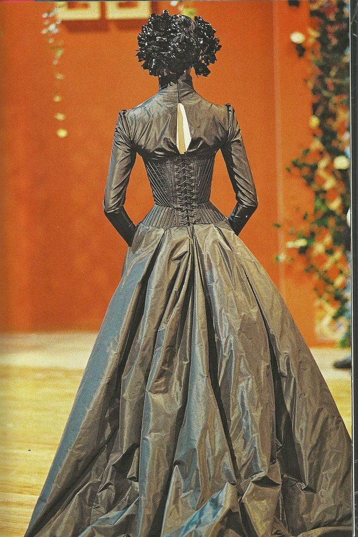 Haute couture   Alexander McQueen for Givenchy