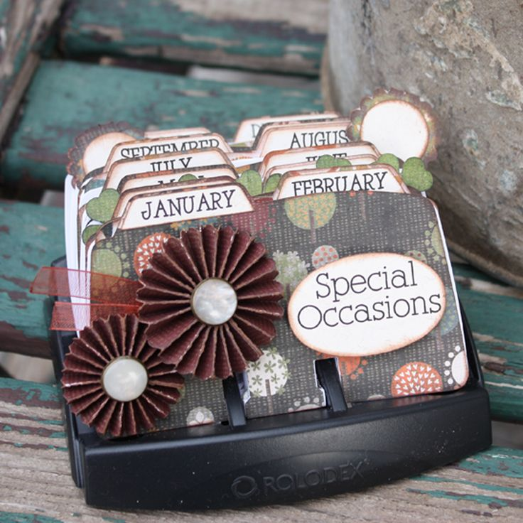 Rolodex Perpetual Calendar from the Pazzles Craft Room. Cutting files and instructions available with membership. Makes a great handmade Christmas gift idea.