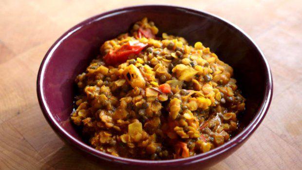 Čočka je tradiční surovinou indické kuchyně stejně jako té naší. Rozdíl je ovšem v použitém koření, to indické má velmi výraznou chuť a vůni…