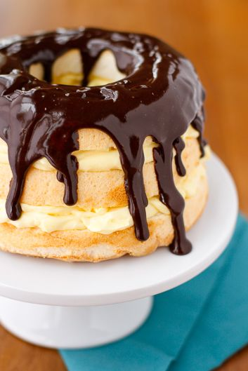 Boston Cream Pie Cake -- this yummy layered Boston cream pie dessert looks like it took hours to prepare but can be guest ready in under 15 minutes! | via @unsophisticook on unsophisticook.com