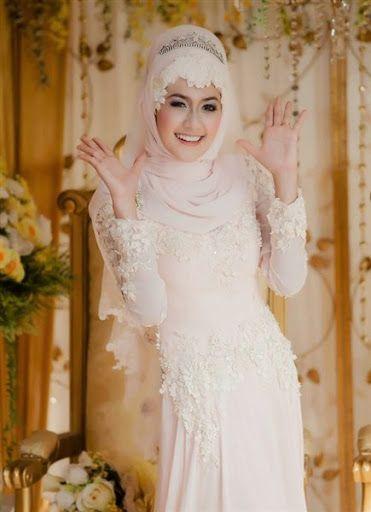 gambar dan foto desain baju dan model gaun hijab pengantin wanita islami muslim yang syar'i terbaru 2016/2017