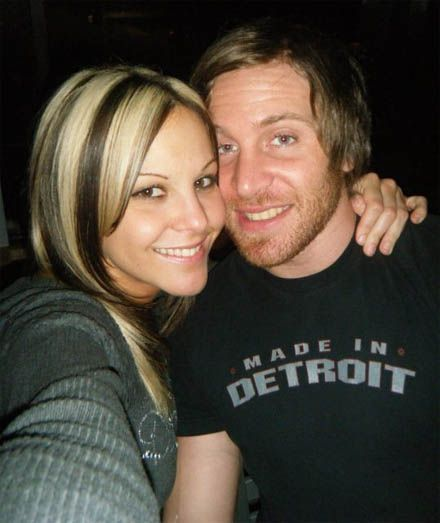 Former couple Chris Sabin (Josh Harter) and TNA Knockout Velvet Sky (Jamie Szantyr) dated for several years before breaking up in early 2014.