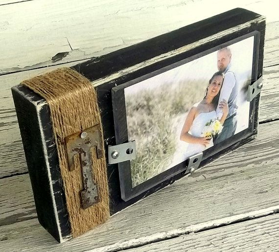Rustic Wood Picture Frame, Wood Block Photo Display, Custom metal letter, Wedding Centerpiece, 4x6 frame, Decor Custom Color, Rusty Letter