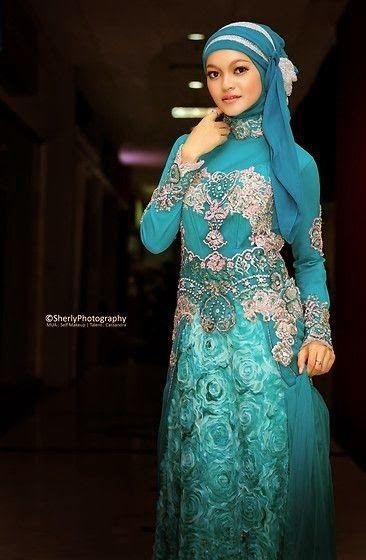model kebaya muslim biru