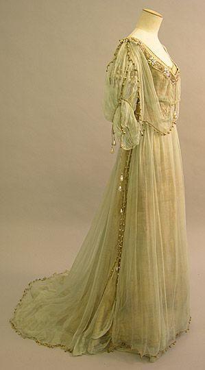 Evening dress, 1908, British, lamé and silk chiffon
