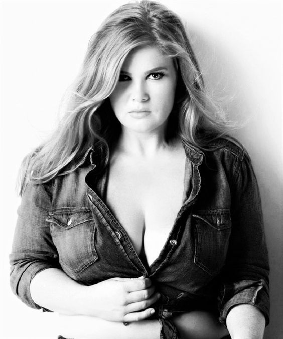 Sensual plus size Boudoir photography is about curvy girls who are being photographed in such a way which brings about the most beautiful features and parts of