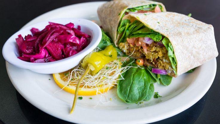 Burrito di falafel, street food libanese, ricette etniche vegane, street food
